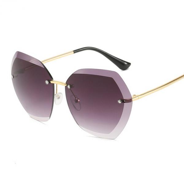 Le Château 'Petra' Faceted Sunglasses (#21423)